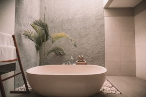 Badezusätze in der badewanne